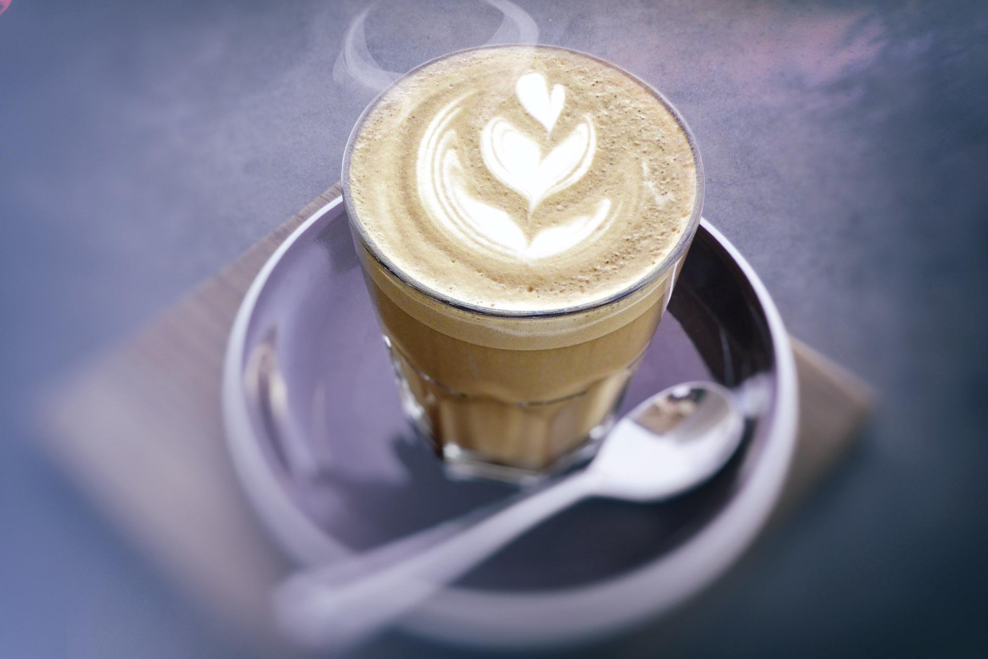 Kaffee Latte Bildbearbeitung nachher